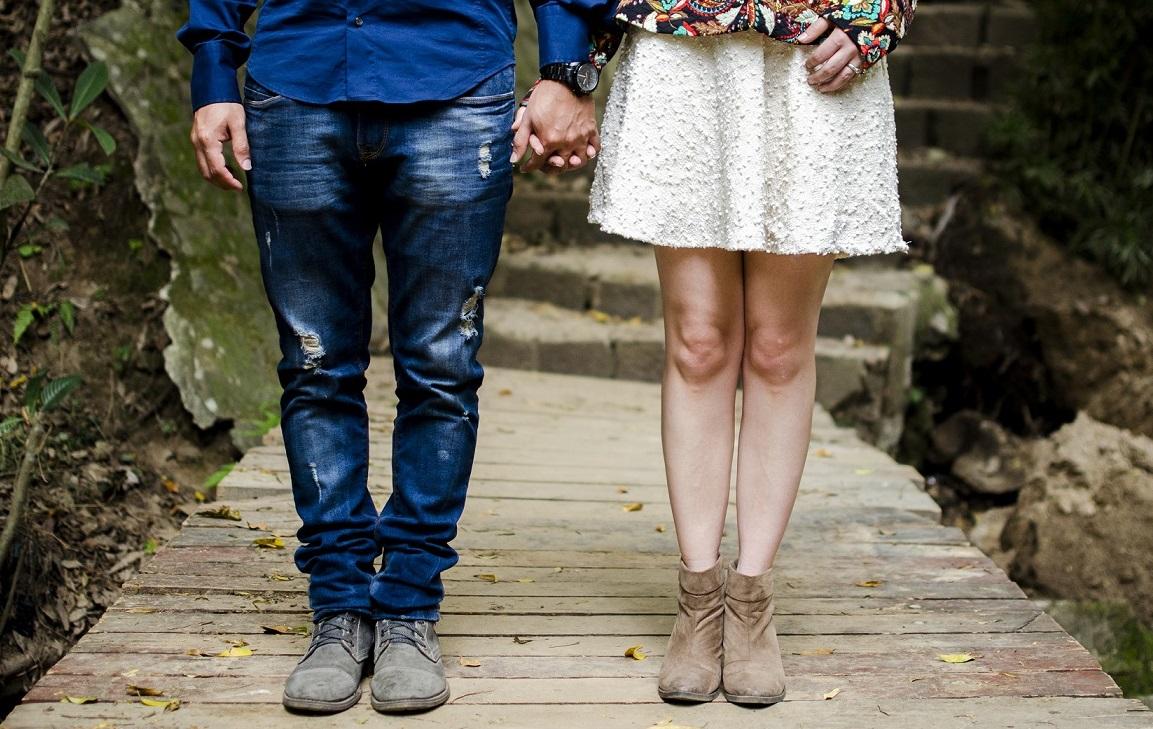普段着のカップル